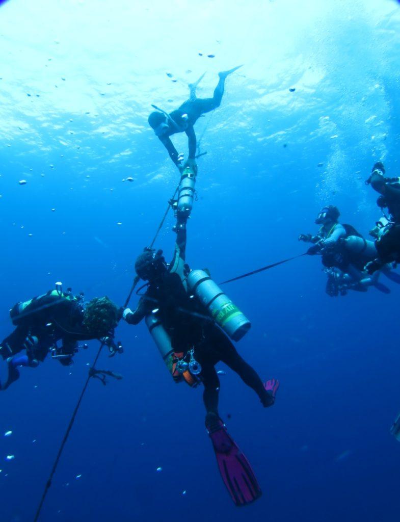エモンズ 沖縄 減圧ダイビング