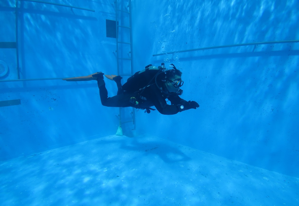 中性浮力 トレーニング 練習 プール
