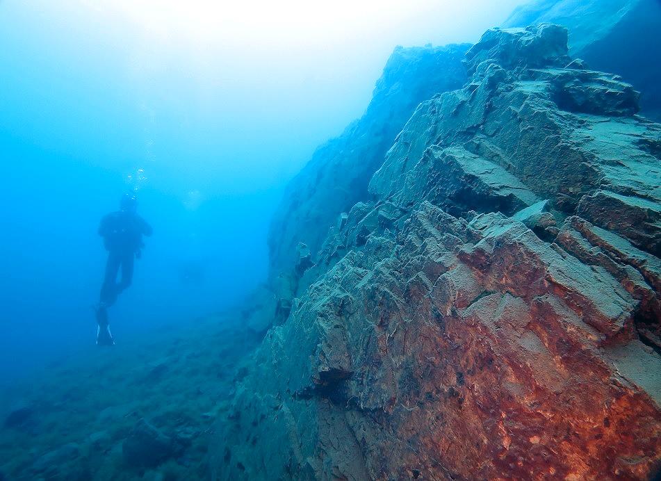 本栖湖 ダイビング 高所潜水 PADI アルティチュード 溶岩