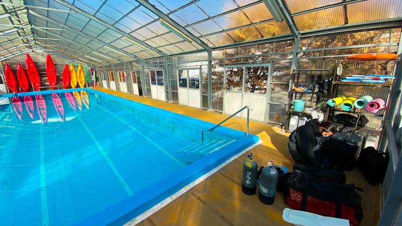ダイビング プール 講習 スキルトレーニング