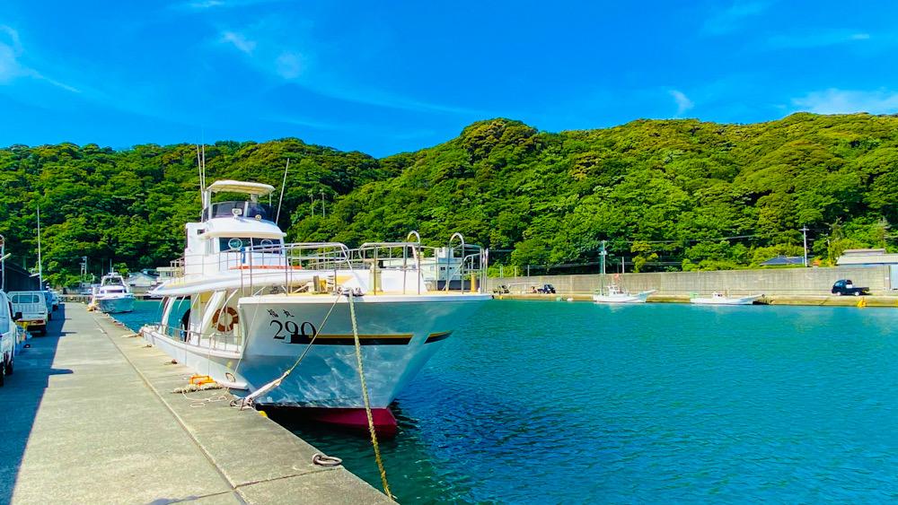 神子元 ダイビング ボート